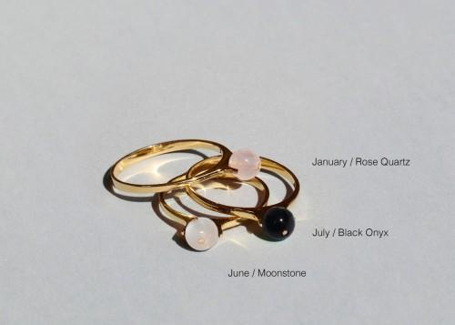 Saskia Diez - Birthday Ring - Moonstone
